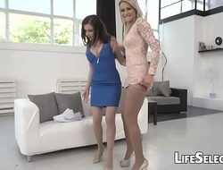 Henessy and Cherry Kiss anal sex