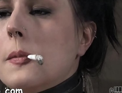 Cold-blooded torture for beauty'_s vagina