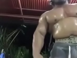 Wild Thai bodybuilder can'_t be beefier