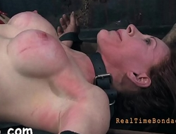 Sexy whipping for beauty'_s ass