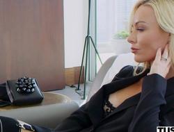 Wealthy porn hottie Kayden Kross watches her husband fucking another girl